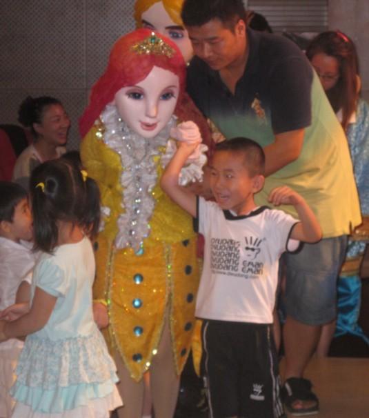 唯美动漫卡通舞台剧 美人鱼 海的女儿 美人鱼现身温州高清图片