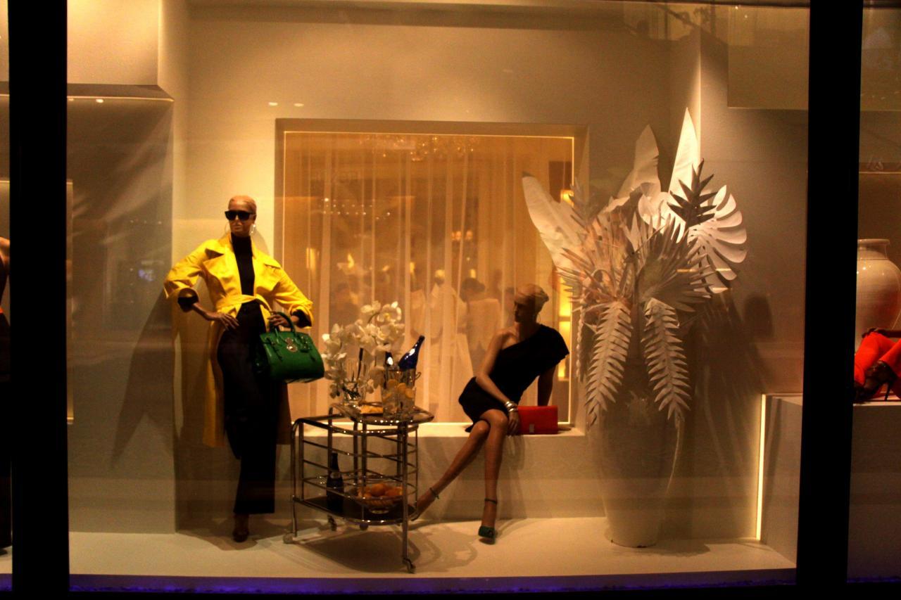 迪拜超级商场的模特橱窗(图片)