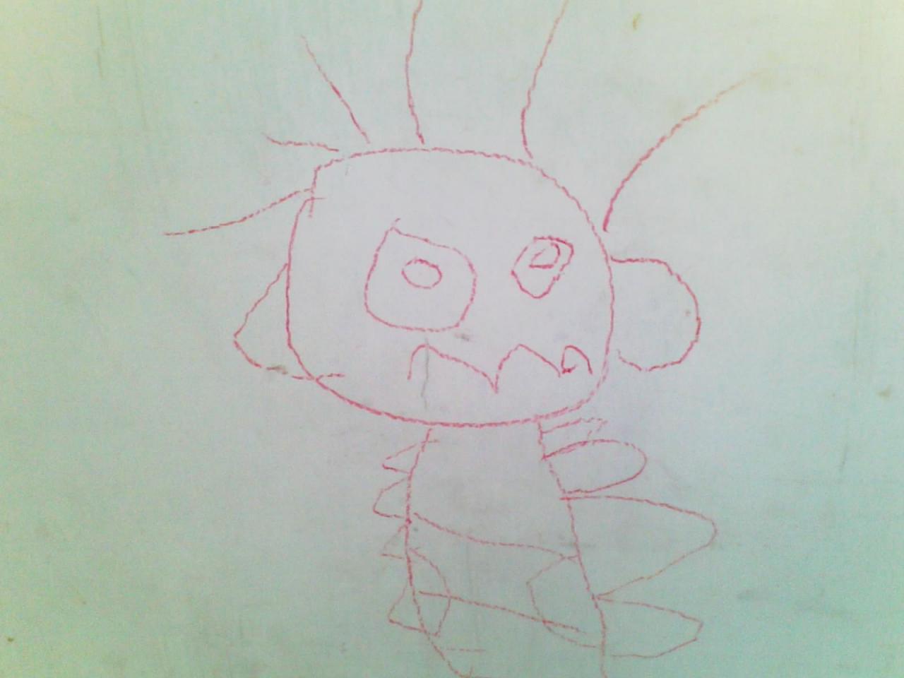 这个学期我们特地在幼儿园给他报名学画画,就当是培养兴趣吧!